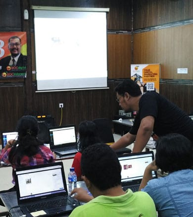 Kegiatan workshop digital internet marketing