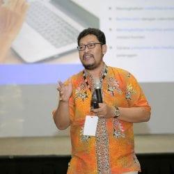 Hendra di Indonesia Marketeers Festival 2019 Bali presentasi untuk Korporasi di Bali