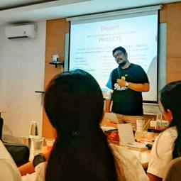 Training Digital Marketing Untuk Team Sales Daihatsu