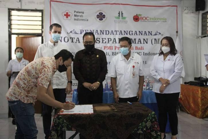 MoU PMI Bali dengan BOC Indonesia, PHRI Bali, dan BHA